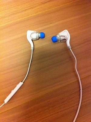 PLANTRONICS Bluetooth ステレオヘッドセット BackBeat GO2
