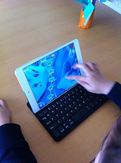 Anker iPad mini ウルトラスリムキーボードカバー iPad Mini/Mini Retina